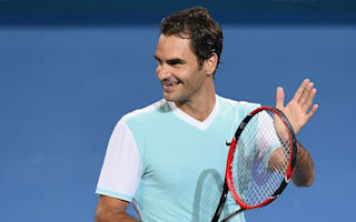 Federer makes short work of Kamke