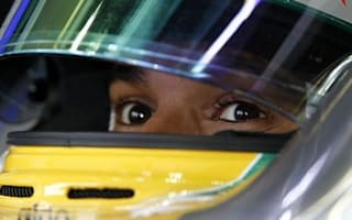 Hamilton hunts for points in Melbourne