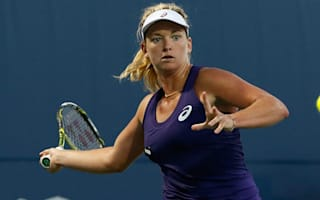Vandeweghe advances in Stanford, Puig eliminated in Washington