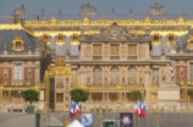 Versailles palace prepares for Putin visit