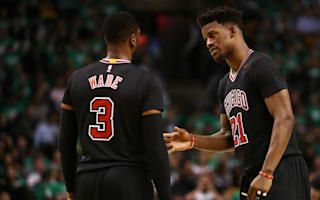 Bulls take 2-0 lead, Raptors level series