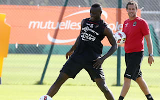 Nice captain Baysse reassured by 'endearing' Balotelli