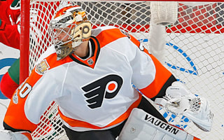 Flyers goalie Neuvirth collapses in net without contact
