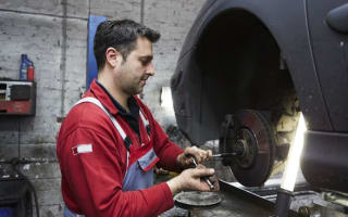 Five million motorists driving with damaged brakes