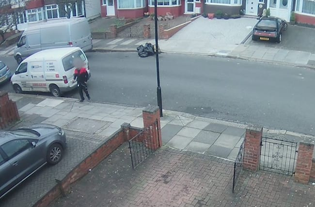 Delivery driver appears to have been caught faking delivery of iPhone