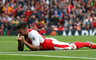 Giroud sees PSG as favourites for Champions League clash