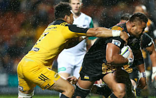 Chiefs stave off Hurricanes in deluge to maintain perfect start