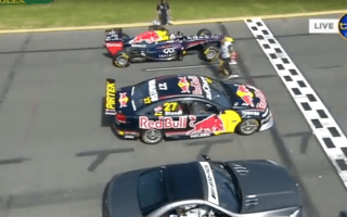 F1 racer goes head-to-head with V8 Supercar and Mercedes-AMG in stunning video