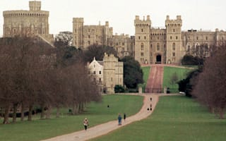 Tourists flock to computer shop mistaking it for Windsor Castle