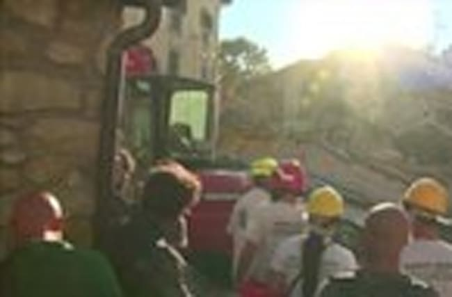 Italy rescuers toil through night&#x3B; death toll hits 159