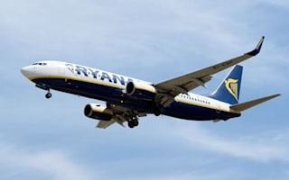 Passengers refuse to get back on Ryanair flight after 'extreme' turbulence