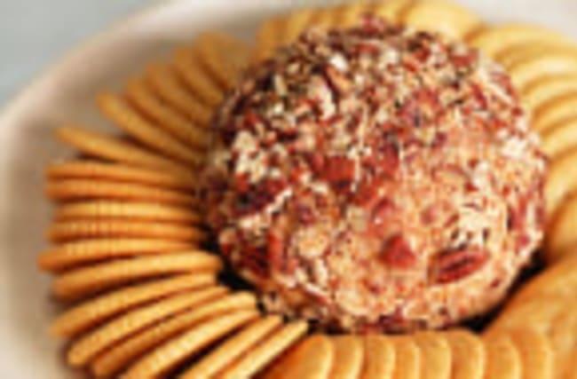 Horseradish-Cheddar Cheese Ball Recipe