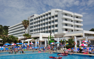 70 British holidaymakers get sickness bug in Majorca and Menorca