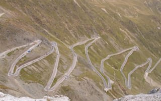Driving Delights Part 2: The world's top 5 driving routes