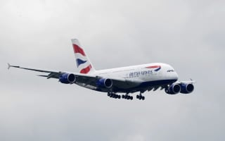 British Airways passengers complain of 'no food or loo roll'