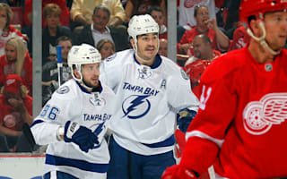 Lightning move two games clear of Red Wings, Ducks hammer Predators