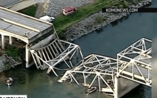 Video: Bridge collapse in Washington state