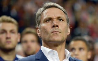 Van Basten to leave Netherlands' backroom staff for FIFA role