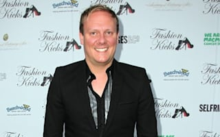 Corrie star Antony Cotton has Twitter row with Virgin over '£600 train fare'