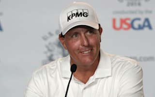 Mickelson admits U.S. Open weighs on his mind