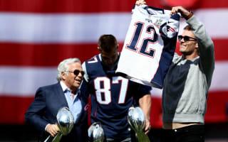 Patriots receive diamond-studded Super Bowl rings