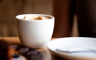 Spanish cafe offers cheaper coffee to polite customers