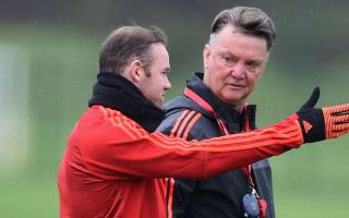 Van Gaal forecasts Rooney return