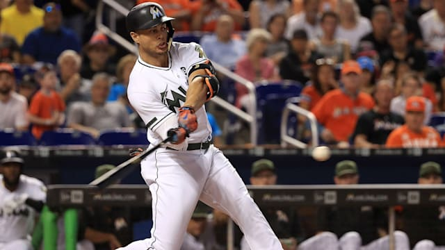 Stanton to defend HR Derby Crown