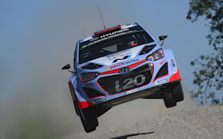 Neuville leads Rally Italy