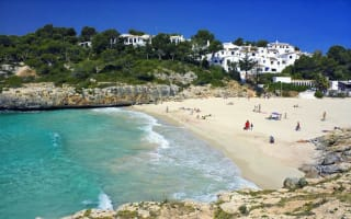 British woman arrested in Majorca after leaving son alone in hotel