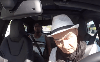 YouTuber pranks taxi passengers in a Tesla