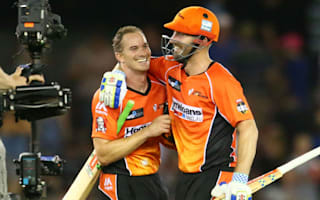 Klinger and Marsh gives Scorchers record-breaking win
