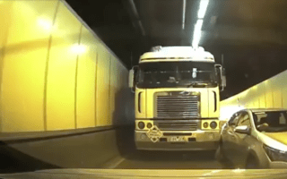 Police blame both drivers in Sydney tunnel traffic incident