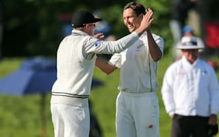 Late wickets give New Zealand control