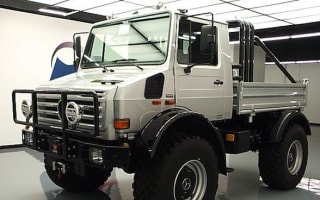 Arnold Schwarzenegger's Mercedes unimog goes on sale