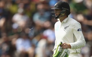 Hesson backs struggling Guptill
