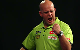 Van Gerwen breezes into the last 16