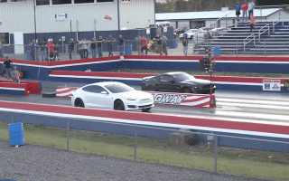Watch as Tesla Model S holds its own with drag racers
