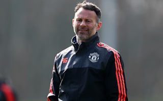 Ferguson: Time for Giggs to stand on his own feet