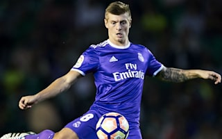 Kroos suffers fractured metatarsal