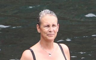 Jamie Lee Curtis shows off curves in swimsuit on Hawaii holiday