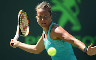 Strycova advanaces in Bienne, Gorges through to round two