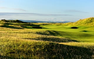 Royal Troon accepts women members