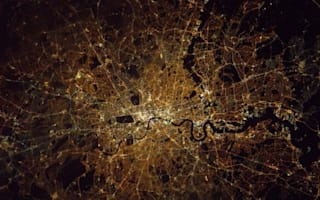 British astronaut Tim Peake shares amazing photo of London from space