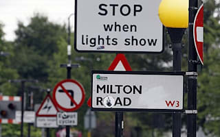 Councils told to reduce cluttered street signs