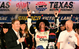 Edwards endures delay to clinch title race berth