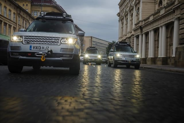 Range Rover Hybrids on the Silk Trail