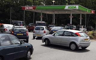 Petrol prices fall with temperatures this weekend