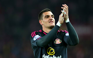 Mannone signs Sunderland renewal