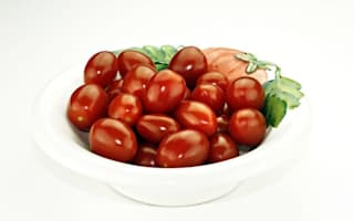 """Man caught with prostitute was """"buying tomatoes"""""""